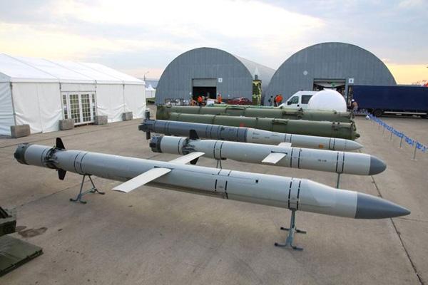 Tên lửa hành trình 3M-14T có chiều dài 8,9 m. Ảnh: Giao thông