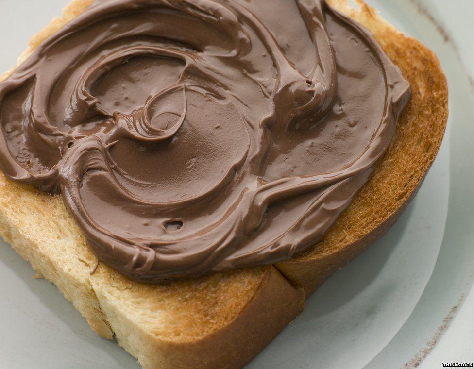 Theo nghiên cứu mới đây cho biết, bơ phết bánh mì Nutella chứa chất gây ung thư. Ảnh: Một Thế giới