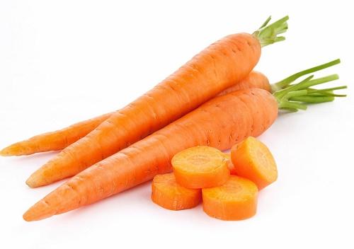 Ăn cà rốt khi uống rượu cũng vô cùng nguy hại cho gan. Ảnh minh họa