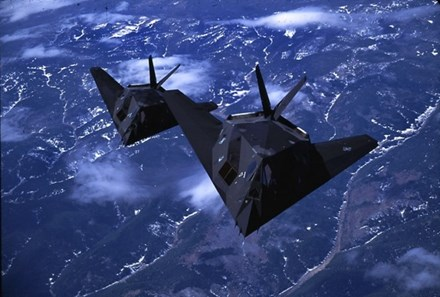Máy bay F-117A là vũ khí quân sự mà Không lực Hoa Kỳ là lực lượng duy nhất sử dụng. Ảnh: Lao Động