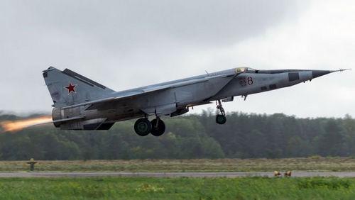 Tiêm kích MiG-25 sở hữu tốc độ lớn hơn bất kỳ phi cơ quân sự nào trên thế giới. Ảnh: VnExpress