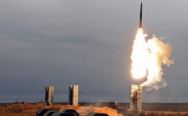 Hệ thống tên lửa phòng không S-500 có thể bắn ở độ cao 200km. Ảnh: Trí Thức Trẻ