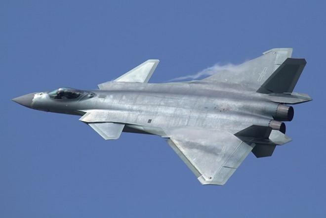 Tiêm kích J-20 có chuyến bay đầu tiên trong năm 2011. Ảnh: Zing News