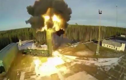 Tên lửa Minuteman III áp dụng mô hình phóng đa đầu đạn phân hướng, đa phương thức dẫn đường. Ảnh: Lao Động