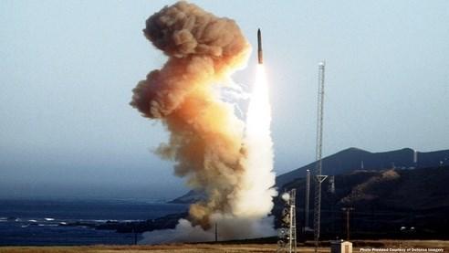 Tên lửa Minuteman III có tầm bắn khoảng 13.000 km. Ảnh: Lao Động