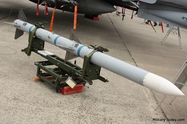 Tên lửa AIM-120 thuộc loại tên lửa tầm trung không đối không tốt nhất thế giới. Ảnh: Kiến Thức