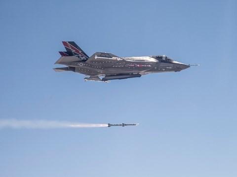 Tên lửa ASRAAM được dẫn đường bằng cảm biến hồng ngoại. Ảnh: An Ninh Thủ Đô