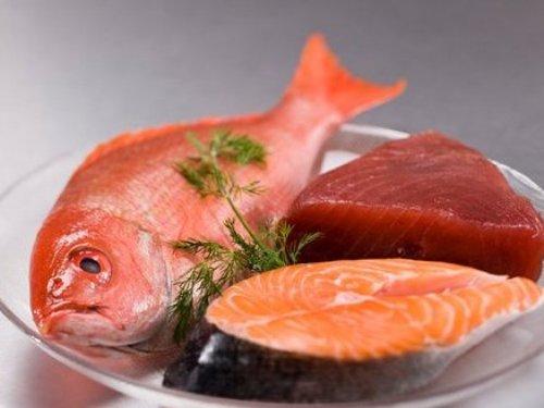 Thói quen cấp đông thịt, cá nhiều lần nguy cơ cả nhà đi viện. Ảnh minh họa