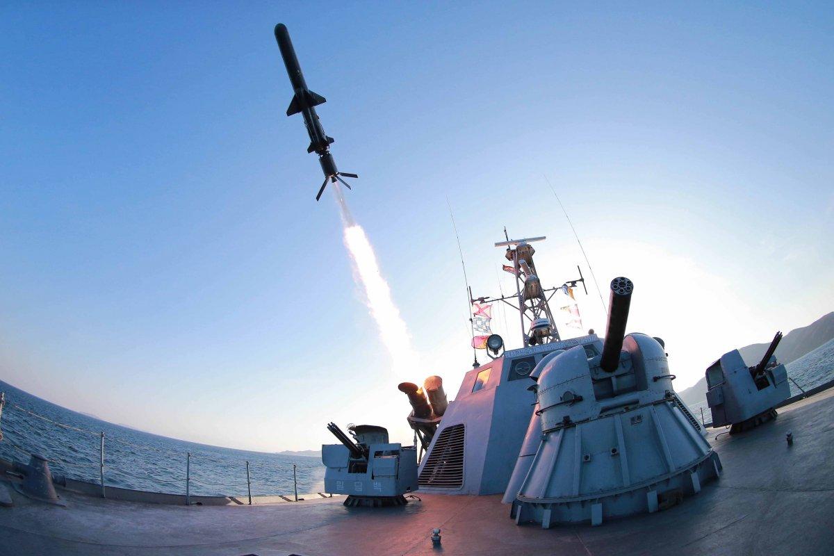 Tên lửa KN-11 của Triều Tiên trong một lần thử nghiệm. Ảnh: GDVN