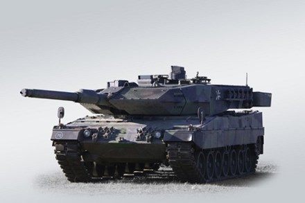 Siêu tăng Leopard 2A7 là chiếc xe tăng chiến đấu chủ lực được thiết kế phù hợp với chiến tranh đô thị. Ảnh: Lao Động