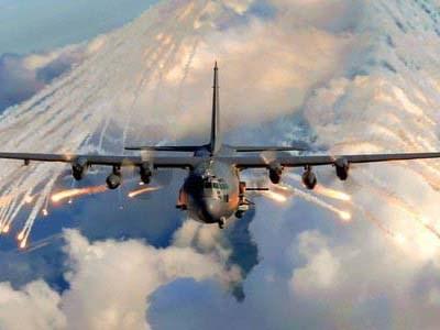 Cường kích AC-130 cũng được trang bị súng phòng không Bofors 40mm, biến đổi để làm nhiệm vụ tấn công mặt đất. Ảnh: Tiền Phong