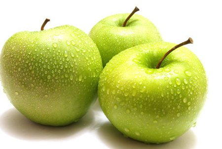 Nếu ăn táo vào ban đêm rất dễ gây đầy bụng. Ảnh minh họa