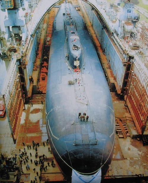 Tàu ngầm Belgorod  của Nga. Ảnh: Thanh Niên