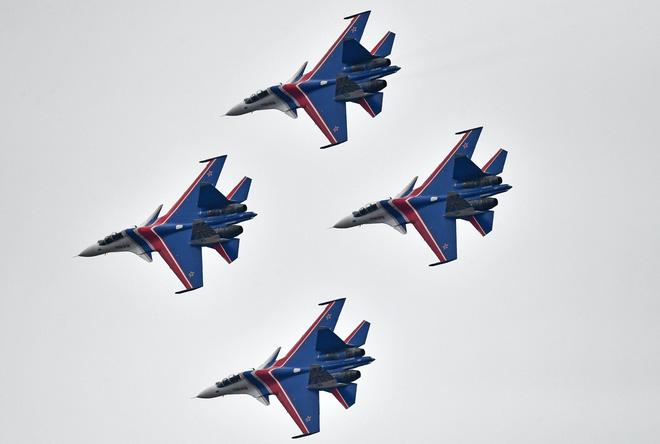 Trong hệ thống vũ khí quân sự được giới thiệu có 40 trực thăng uy lực của Nga xuất hiện. Ảnh: Trí Thức Trẻ
