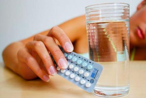 Thuốc tránh thai có thể gây béo phì và giảm ham muốn. Ảnh minh họa