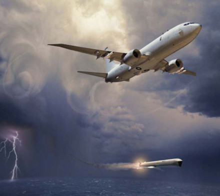 Máy bay P-8 Poseidon có thể sử dụng nhiều loại vũ khí khác nhau. Ảnh: Lao động
