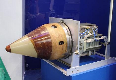 Tên lửa hành trình P-800 Yakhont có đầu đạn tự dẫn có khả năng kháng nhiễu radar. Ảnh: Kiến Thức