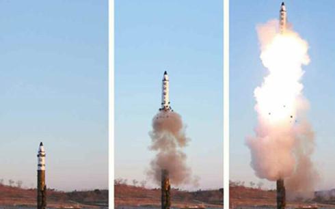 Tên lửa KN-15 được cho là đã sử dụng một động cơ đẩy nhiên liệu rắn. Ảnh minh họa