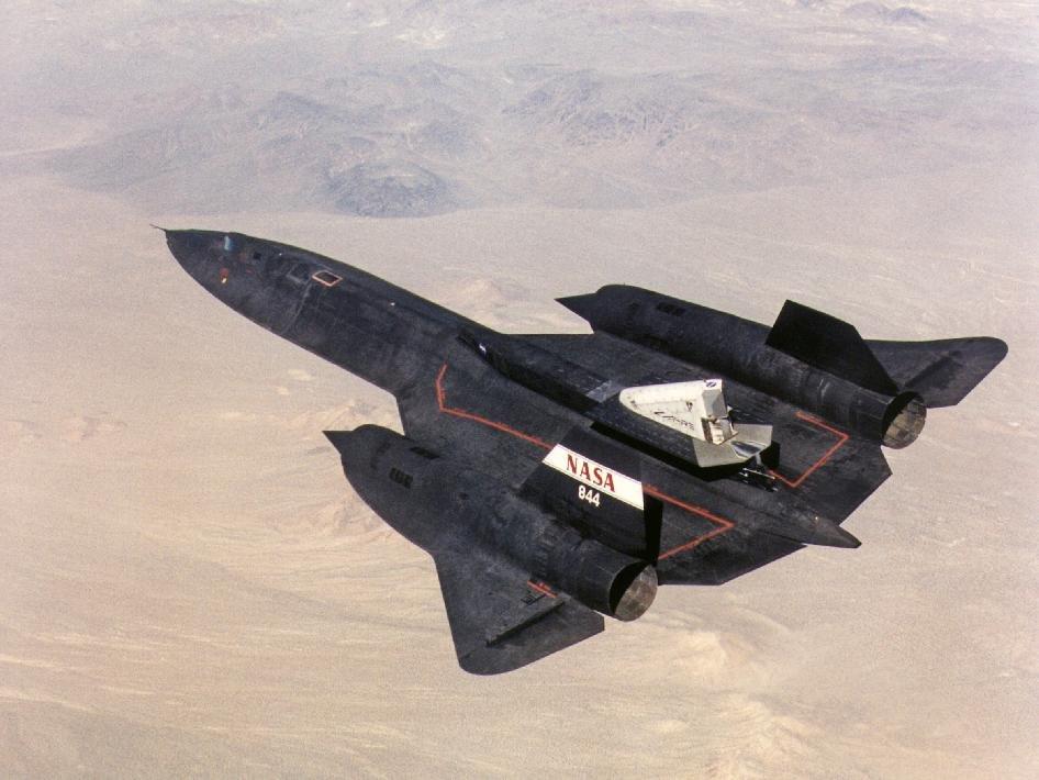 Máy bay do thám SR-71 là vũ khí chiến lược tiên tiến tầm xa có tốc độ bay khủng khiếp nhất thế giới. Ảnh: Zing News