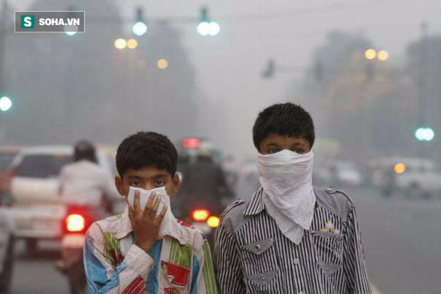 Có những lúc hàm lượng bụi PM2.5 ở Hà Nội chỉ đứng sau thủ đô New Delhi (Ấn Độ). Ảnh: Times of India