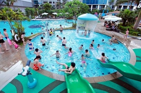 Vi khuẩn nấm cũng tồn tại rất nhiều trong các bể bơi công cộng. Ảnh minh họa