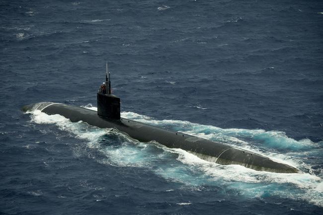 Tàu ngầm USS Cheyenne được vận hành bởi thủy thủ đoàn 98 người cùng 12 sĩ quan. Ảnh: VTV
