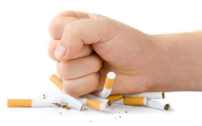 Thuốc lá chứa tới 7000 chất độc hại gây tổn hại sức khỏe con người hãy dừng hút thuốc khi chưa quá muộn. Ảnh minh họa