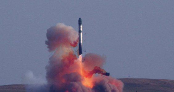 Tên lửa đạn đạo RS-20 mà NATO gọi là SS-18 Satan có sức mạnh khủng khiếp. Ảnh: Đất Việt