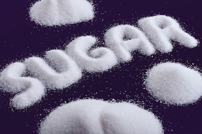 Sử dụng quá nhiều đường có nguy cơ mắc bệnh tim mạch, lão hóa. Ảnh minh họa