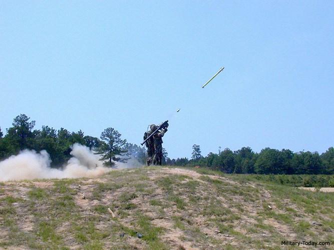 Tên lửa vác vai FIM-92 Stinger trang bị thêm ngòi nổ cận tiếp xúc kiểu mới. Kiến Thức