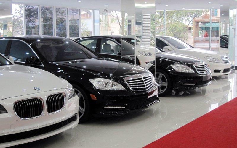 Xe ô tô đồng loạt giảm giá mạnh ở nhiều hãng nổi tiếng.