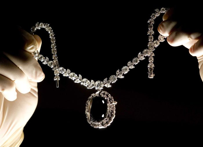 Kim cương Black Orlov - mắt thần Brahma.