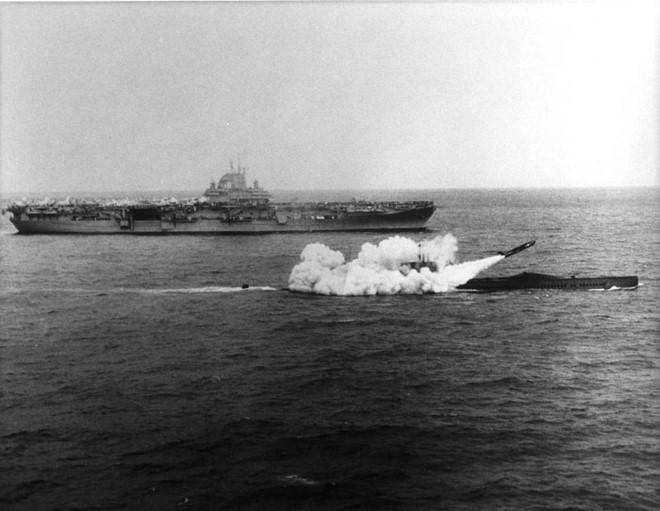 Tàu ngầm USS Halibut. Ảnh: Zing News
