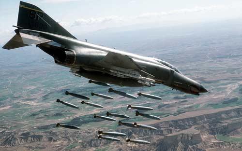 Máy bay F-4 Phantom II là một loại vũ khí từng phá nhiều kỷ lục nhất. Ảnh: Zing News