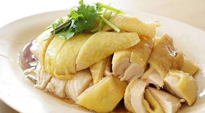 Thịt gà chứa chất vàng ô có thể gây ung thư. Ảnh minh họa