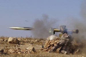 Tên lửa MANPADS là vũ khí vác vai đáng sợ của mọi trực thăng trên bầu trời. Ảnh: Lao động