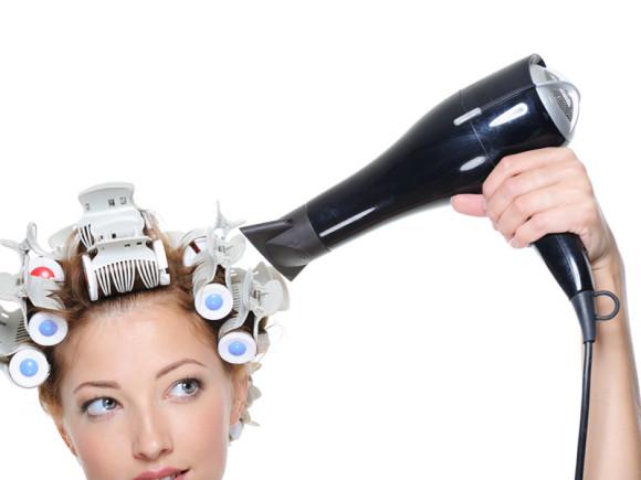 Máy sấy tóc cũng có nguy cơ nhiễm bức xạ hơn cả điện thoại. Ảnh minh họa