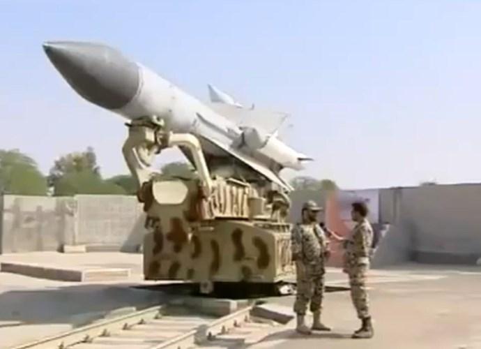Tên lửa phòng không S-200 của Syria. Ảnh: Kiến thức