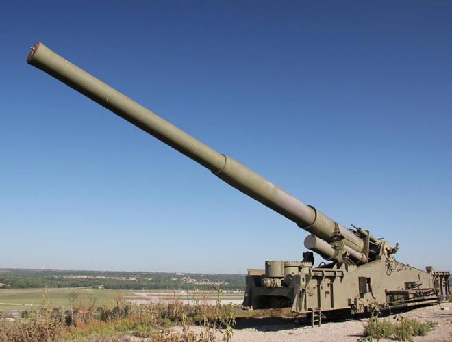 Khẩu pháo M65 là vũ khí do Mỹ chế tạo có sức mạnh ngang ngửa bom hạt nhân. Ảnh: VnExpress