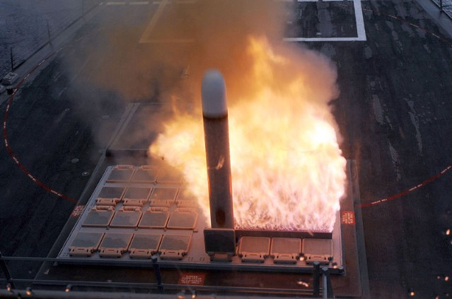 Tên lửa thẳng đứng Mk 41 VLS khai hỏa. Ảnh: Trí thức trẻ