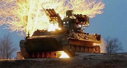 Tổ hợp tên lửa Sosna-RA là vũ khí quân sự kết hợp giữa pháo, tên lửa, súng máy. Ảnh: QĐND