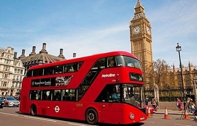 Xe buýt chạy bằng bã cà phê trên đường phố London. Ảnh: Chính phủ