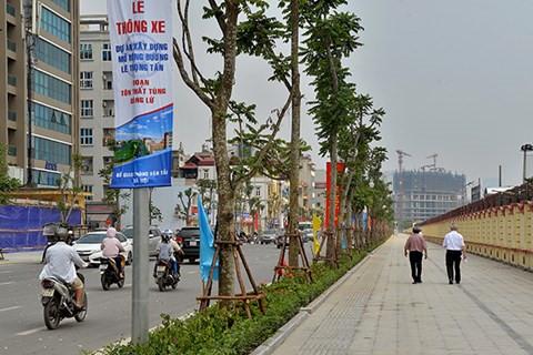 Nhiều tuyến phố ở Hà Nội được lát gạch bền vững. Ảnh: ANTĐ