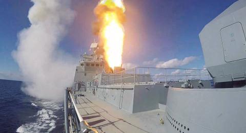 Hệ thống phóng đa năng UKSK-M phóng tên lửa trên tàu chiến. Ảnh: Thời Đại