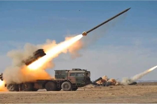 """Hệ thống pháo phản lực đa nòng 9K58 """"Smerch"""". Ảnh: Lao động"""