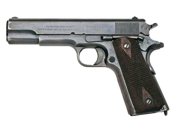 Súng ngắn M1911 có trọng lượng 1,134 kg. Ảnh: Zing News