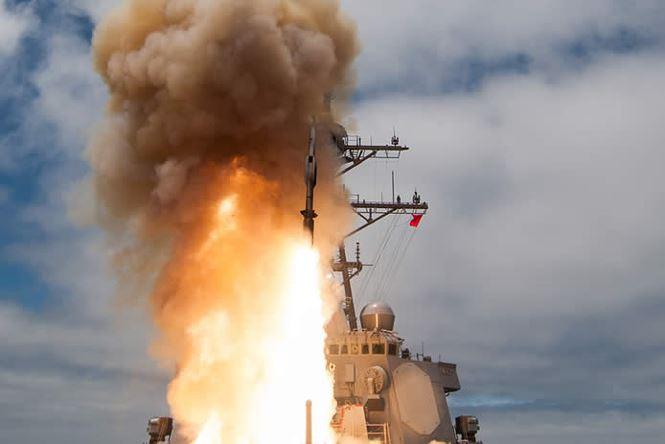 Tên lửa đánh chặn SM-6 Nhật Bản vừa mua có sức mạnh 'vô song' nhằm răn đe đối thủ. Ảnh: Tiền phong