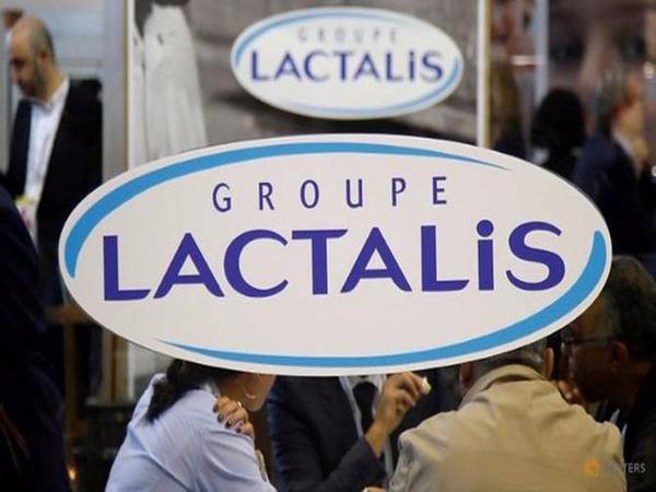 Sữa Lactalis của Pháp tiếp tục thu hồi do nhiễm khuẩn. Ảnh: VTV