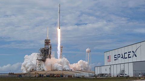 Vệ tinh do thám của Mỹ được phóng lên bằng tên lửa đẩy có thể đã bị phá hủy hoàn toàn. Ảnh: ANTĐ
