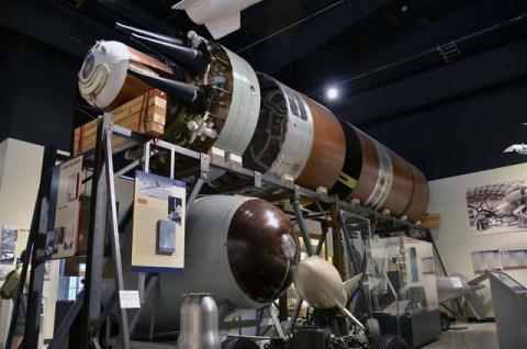Mỹ đang triển khai nâng cấp đầu đạn hạt nhân vào tên lửa giúp nó có sức mạnh gấp nhiều lần. Ảnh: Đất việt